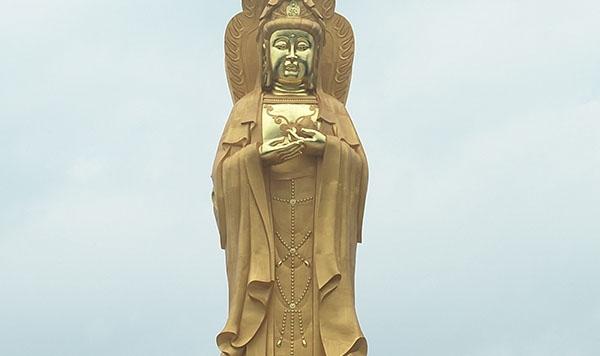 陕西省宝鸡市九龙山九龙禅院30米紫铜观音菩萨像