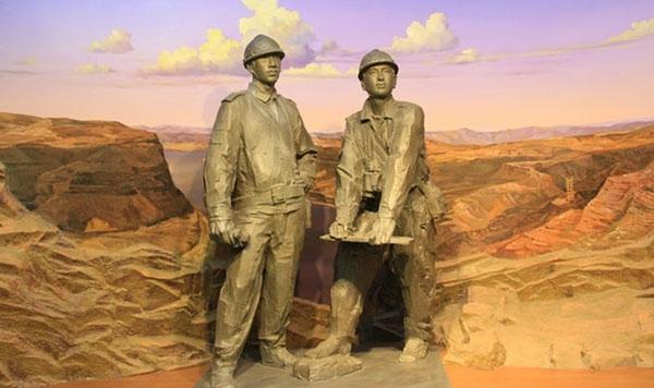 创作福州人物铸铜雕塑的构思理念分析