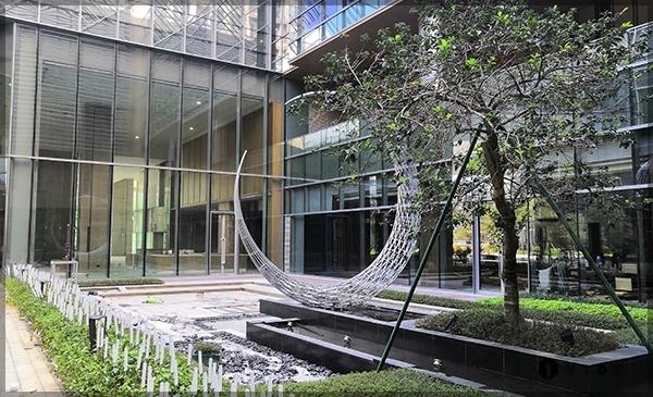 城市雕塑选用不锈钢材质的优势